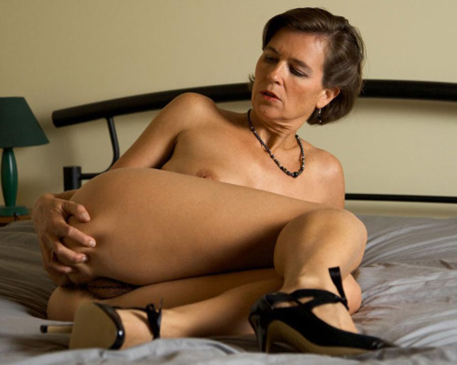 Josette, femme mure soumise veut s'offrir