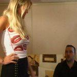 Gangbang d'une blonde avec Papy Pervers et ses potes