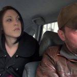 Darla Demonia libertine en chaleur baisée par le chauffeur de taxi