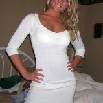 Louise, célibataire en chaleur blonde cherche une queue à Versailles