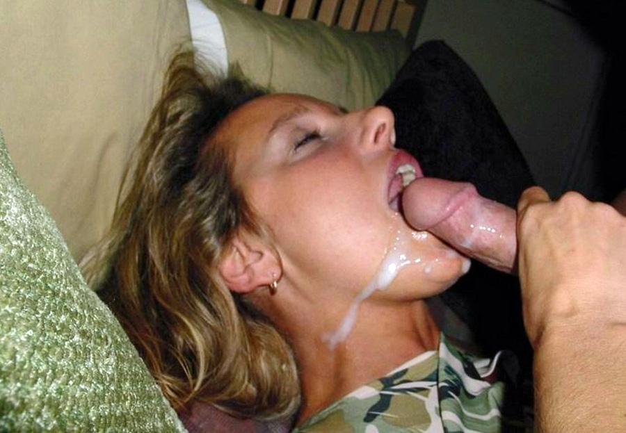 La bouche pleine de sperme de Natacha