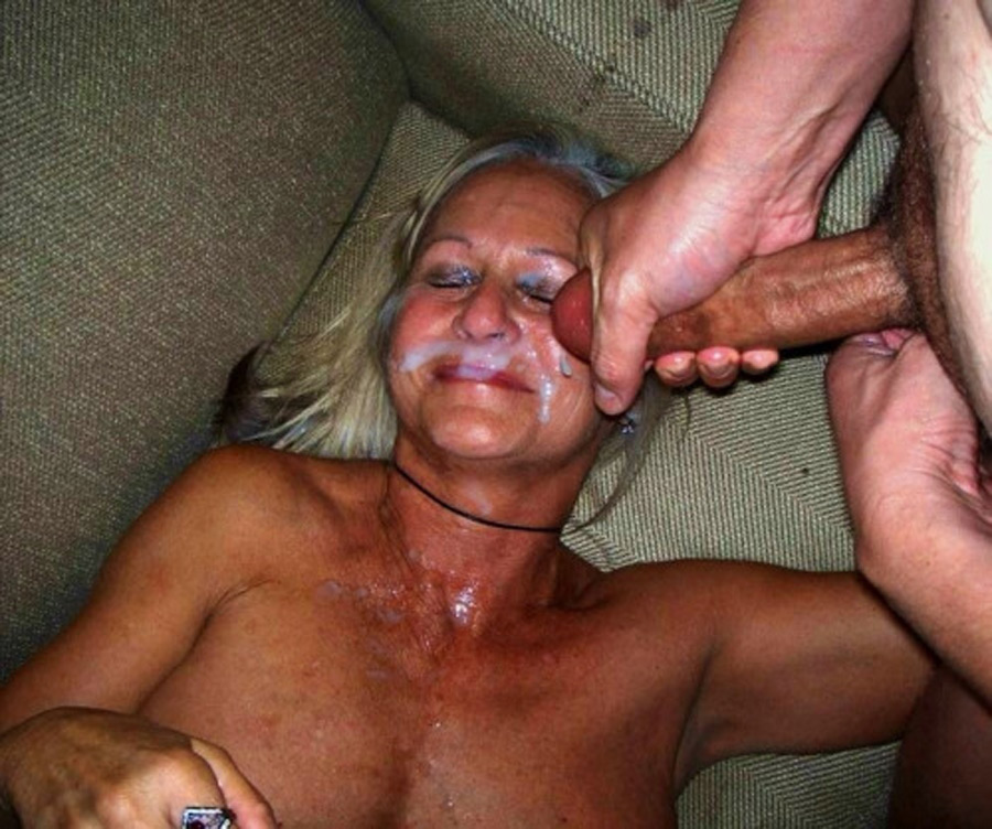 Donatella, vieille morue aspergée de sperme
