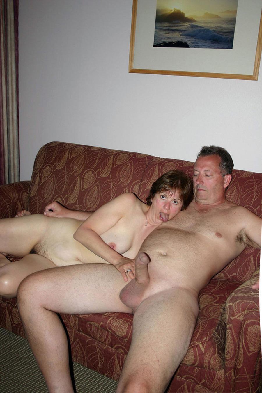 Jeanine et Robert, amants nus à l'hôtel