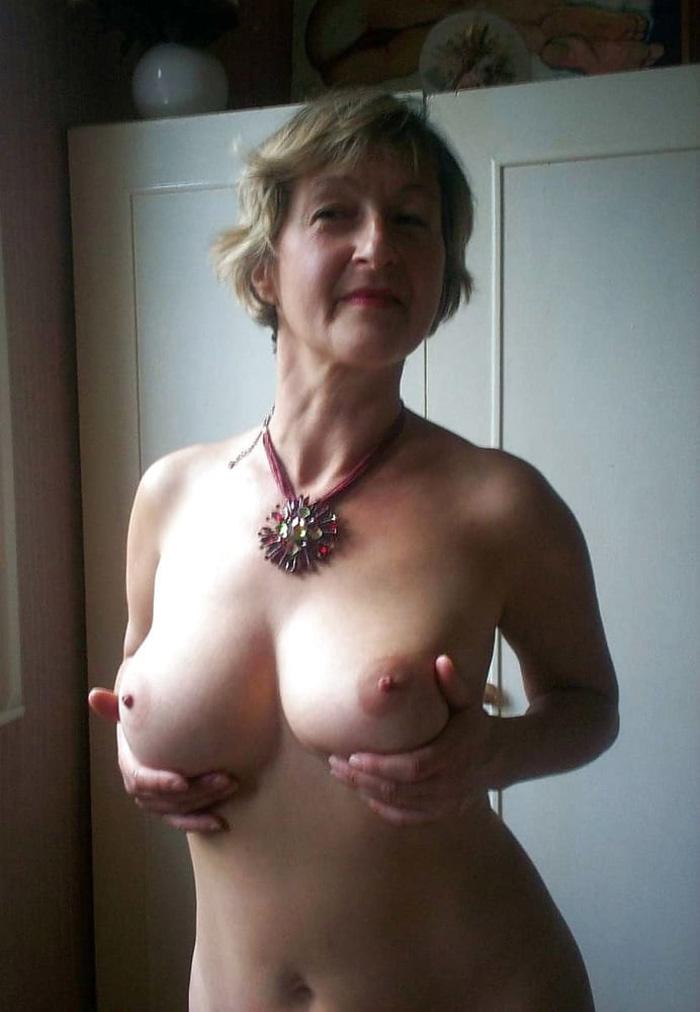 Les beaux seins de Viviane