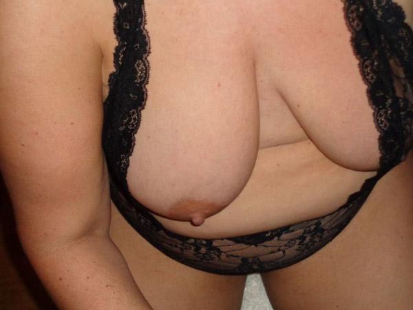 Gros seins de Rosalie 5