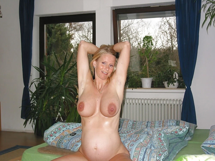 Béatrice femme enceinte nue 14