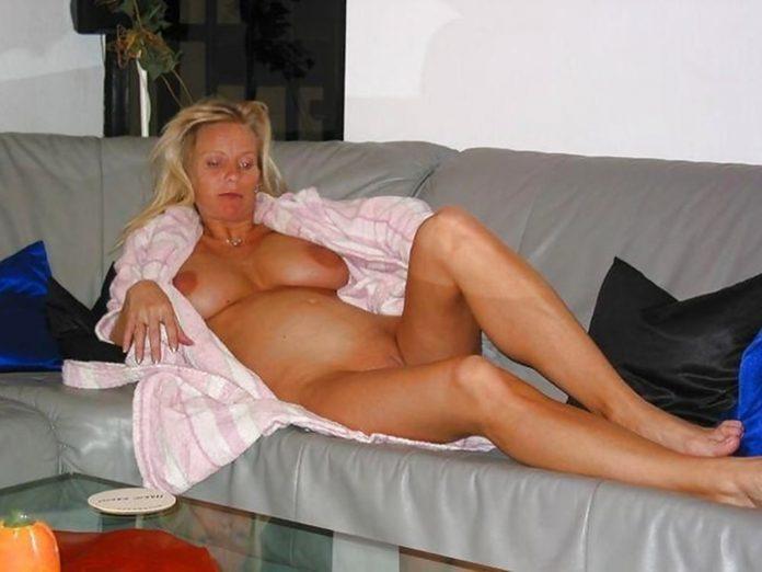 Béatrice femme enceinte nue 17