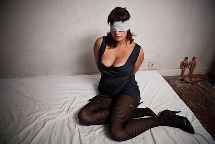 Gangbang femme mariée dévoyée 16