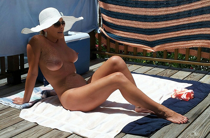 Jocelyne cougar exhib nue 4