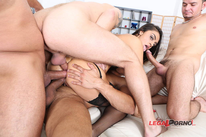 Latoya DEVI triple penetration LegalPorno 10