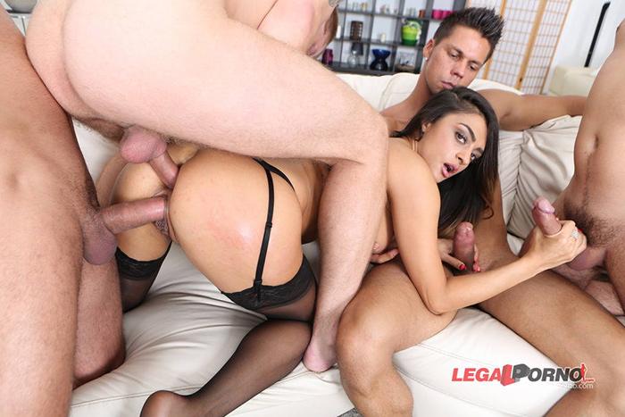 Latoya DEVI triple penetration LegalPorno 4