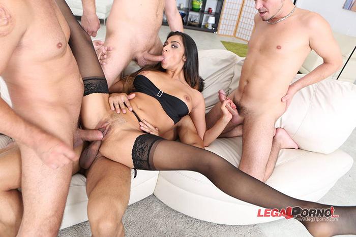 Latoya DEVI triple penetration LegalPorno 5