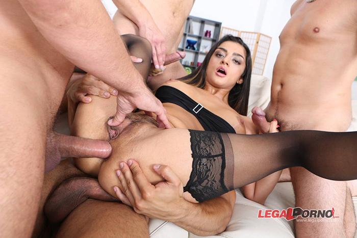Latoya DEVI triple penetration LegalPorno 7