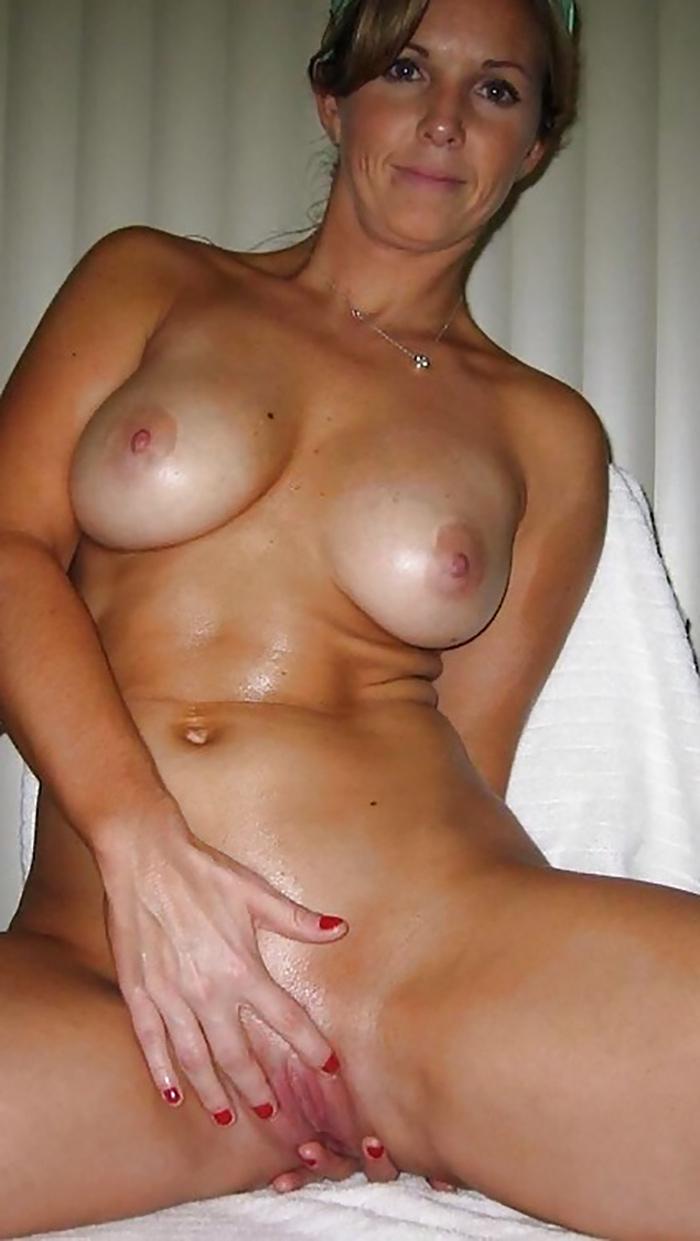 MILF gros seins en liberté 2