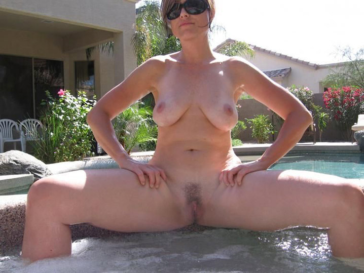 Femme au foyer salope 2
