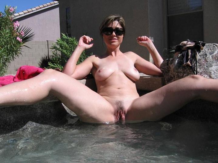 Femme au foyer salope 3