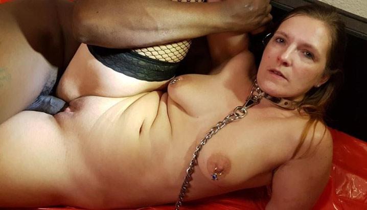 Marie-France chienne soumise à un black 25
