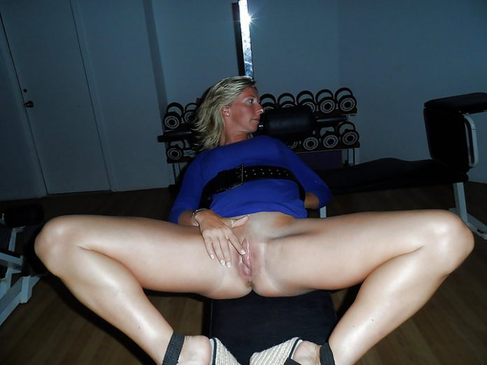 Chatte humide belle MILF Photo