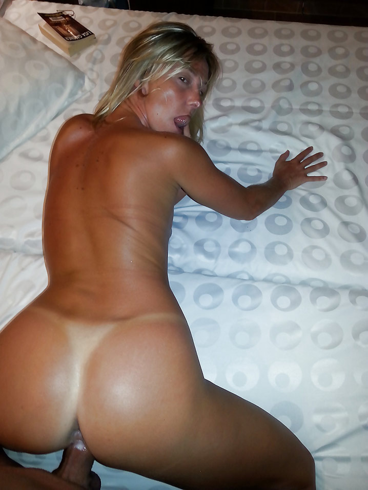 Chatte humide belle MILF Photo 18