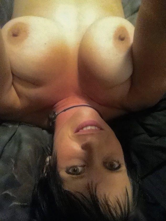 Grosses miches de Christine Selfie 13