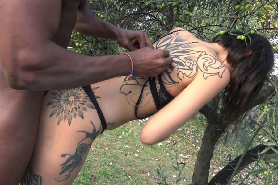Alya beurette baise exhib avec black 31